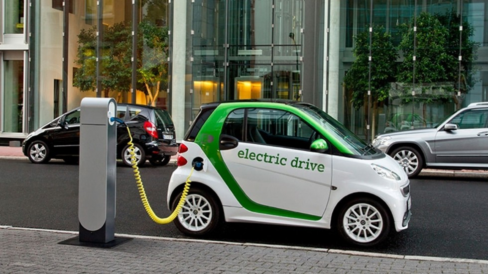How long is the electric car battery life?