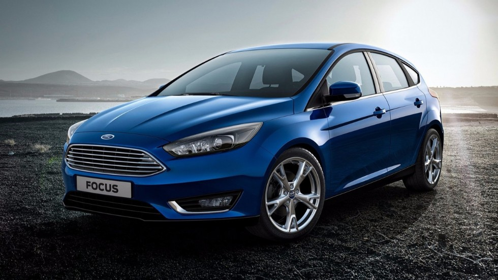 How many quarts of oil does a Ford Focus 2.0 liter engine require?