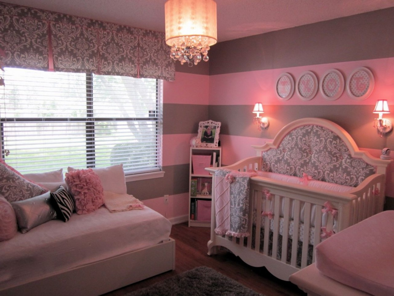 pictures for baby's room decoration