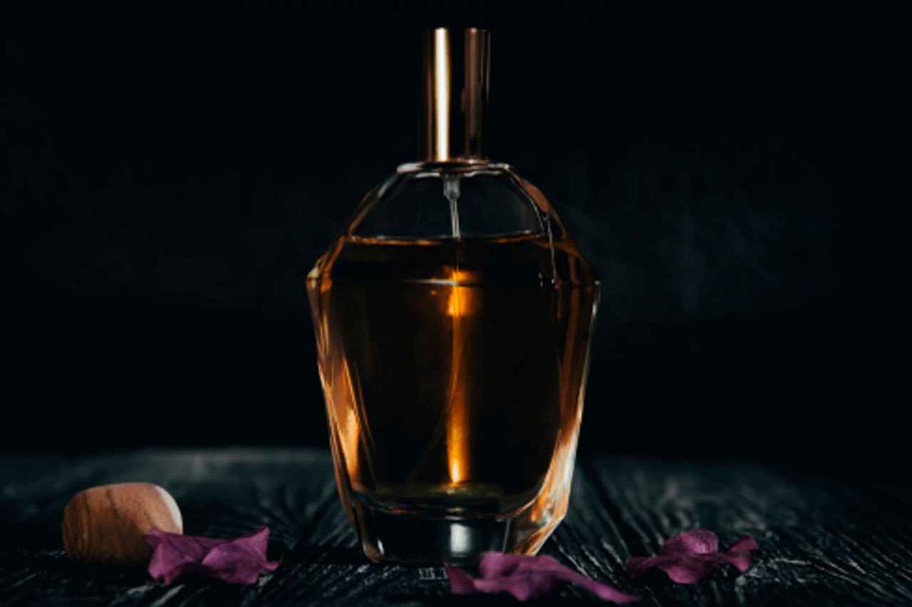 How to make organic perfume? What ingredients are in perfume?